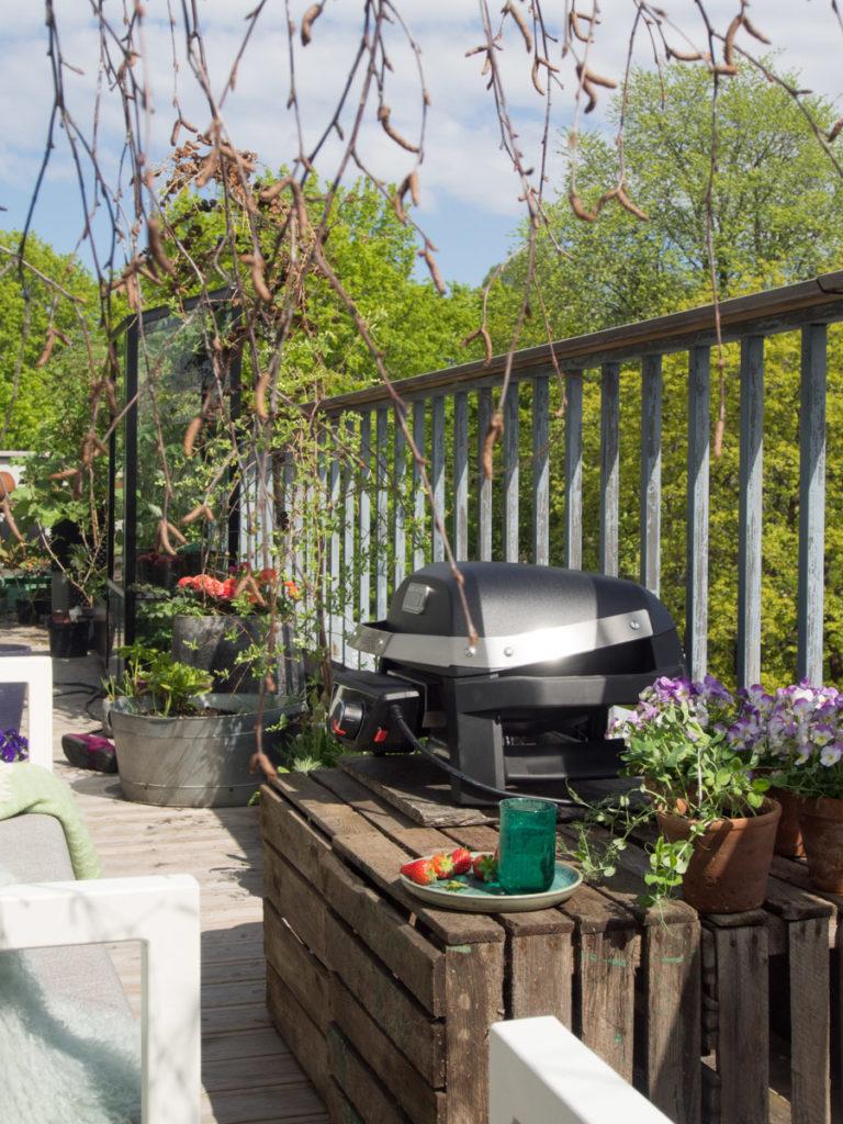 Elektrisk grill på balkong, Puls fra Weber