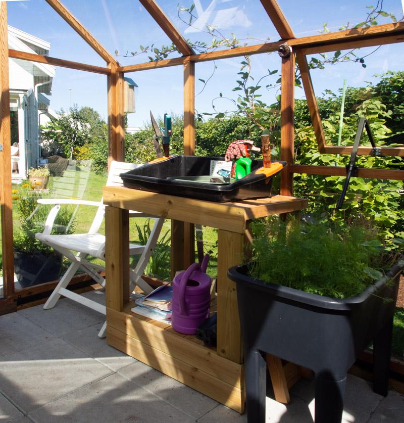 Arbeidsbenk i drivhus, hjemmesnekret